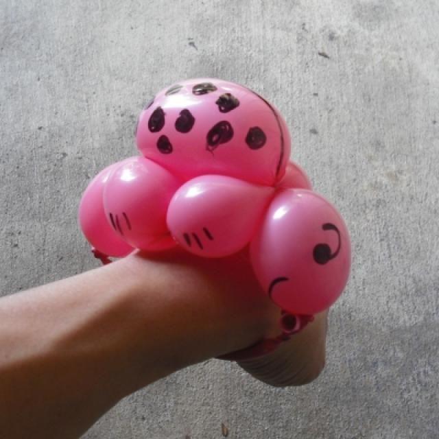Ladybug Balloon Animal Advanced Instructions: Finish The