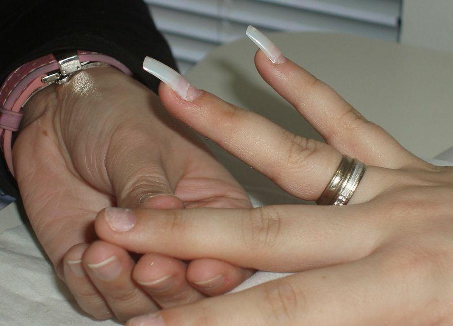 ¿Cómo hacer uñas de gel? | Belleza