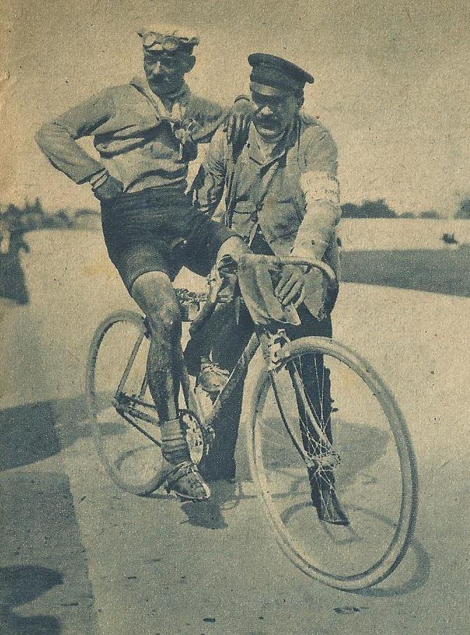 Henri Cornet Winner In 1904 And Youngest To Date Just Under 20 Vintage Cycles Bicycle Art Bike Rider