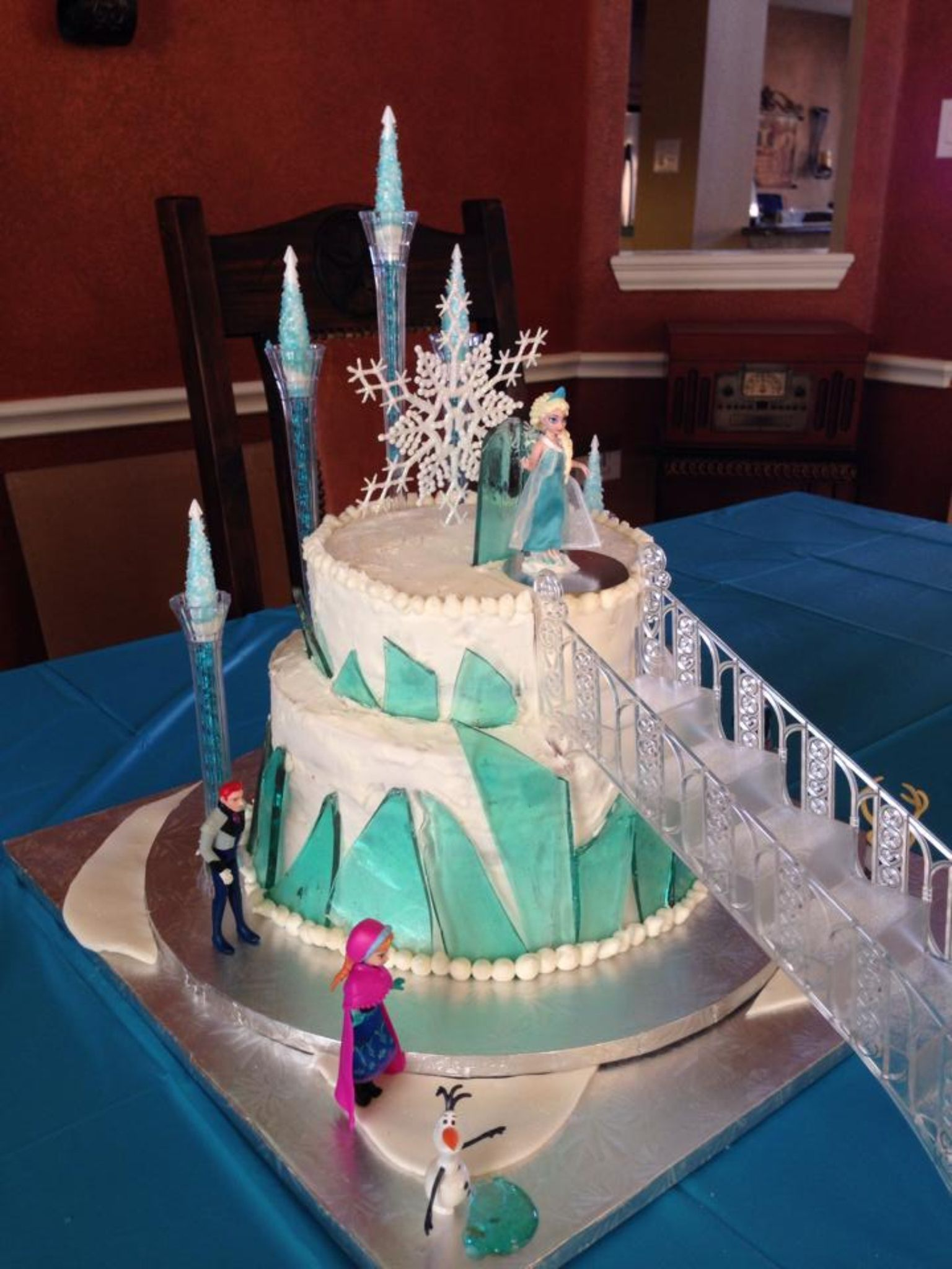 Frozen Ice Castle Cake I like the steps alot Elyse Would Love