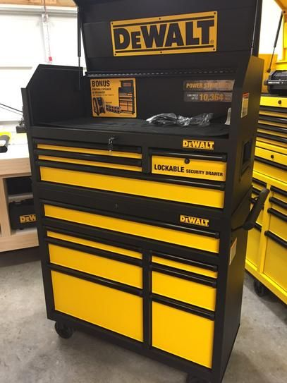 11drawer black tool chest and rolling tool cabinet set