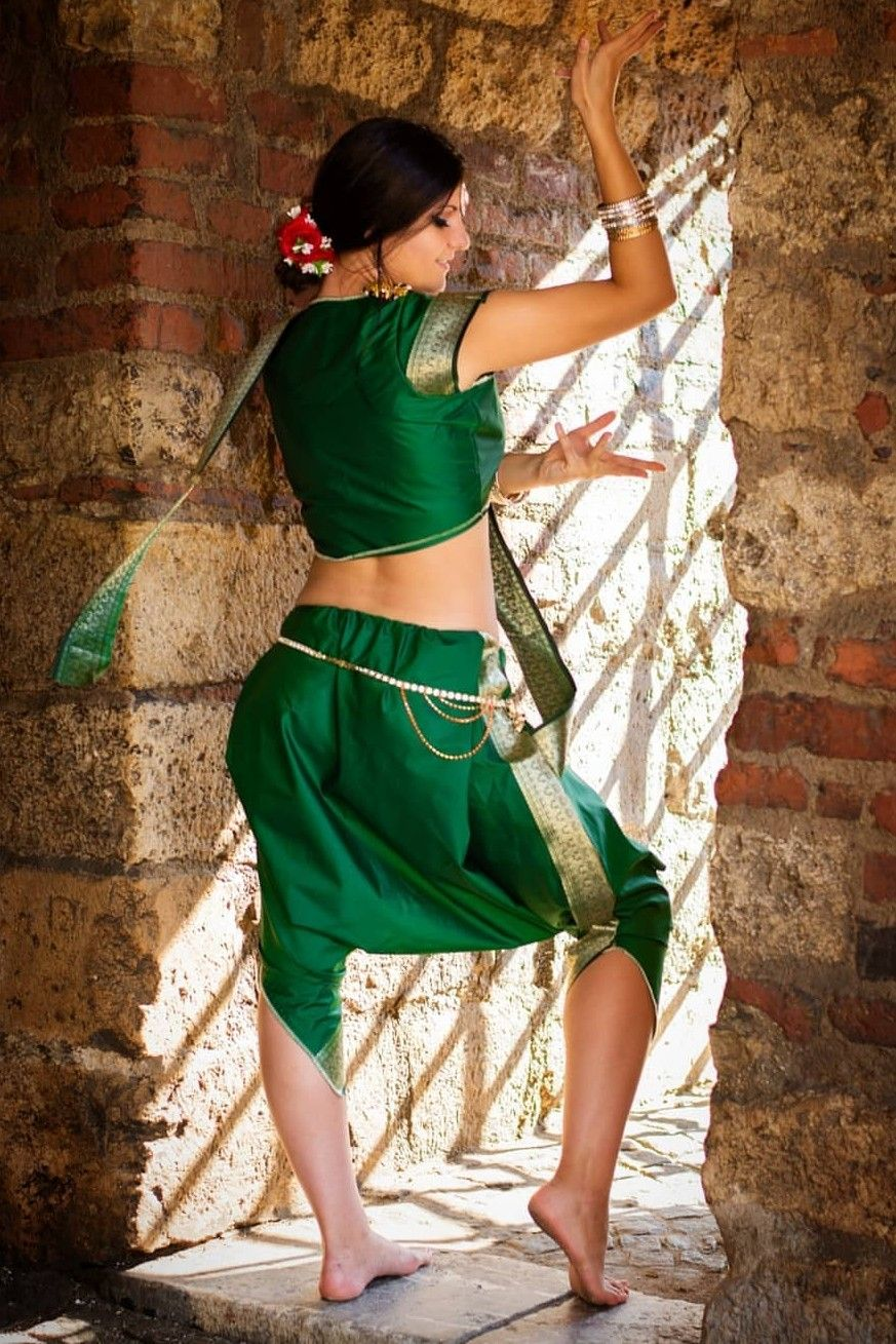 Deyana dance costume, bellydance, indian dance, bollywood
