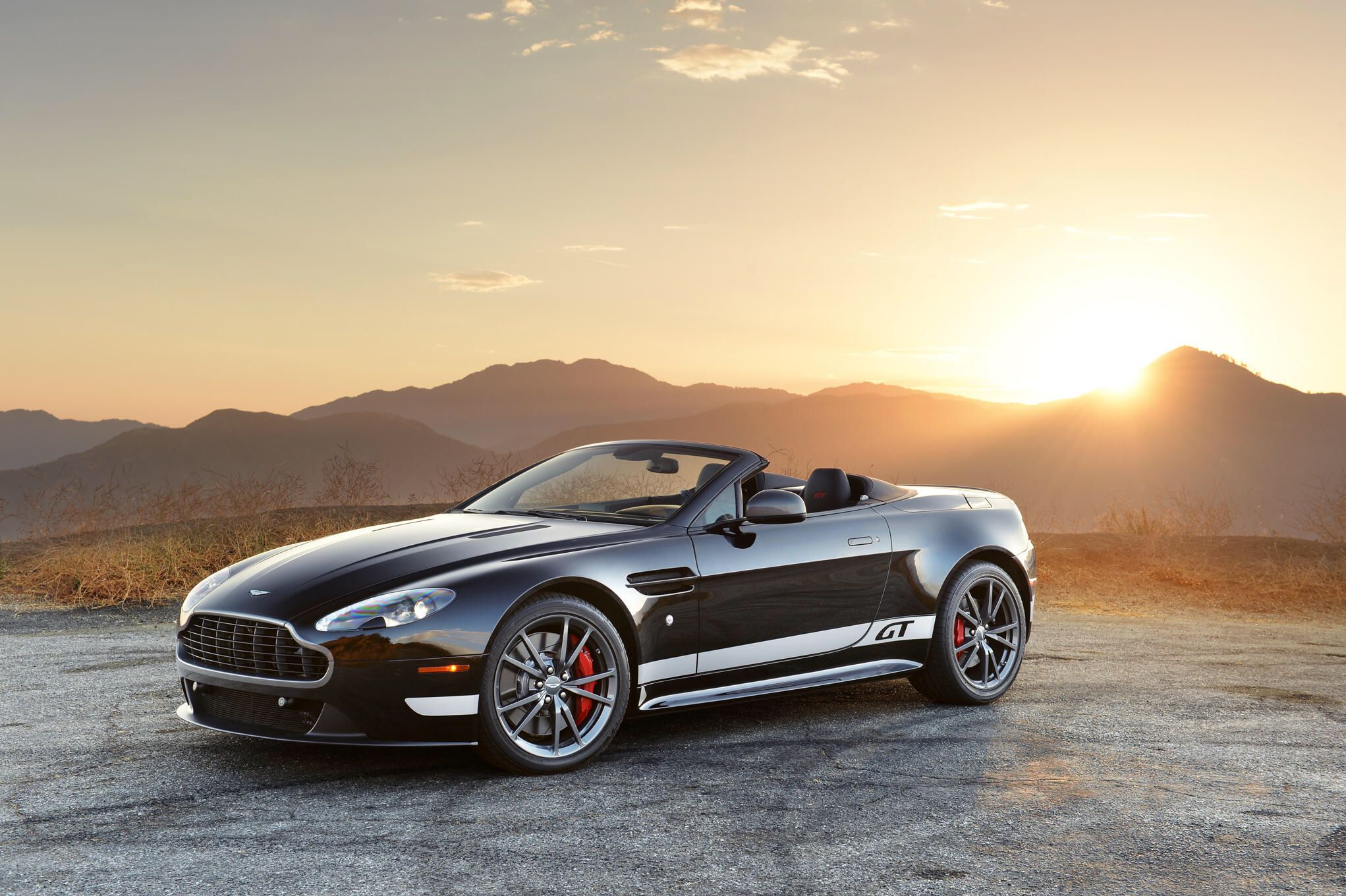 2016 Aston Martin V8 Vantage Gt First Drive Review Aston Martin V8 Aston Martin Aston Martin Cars