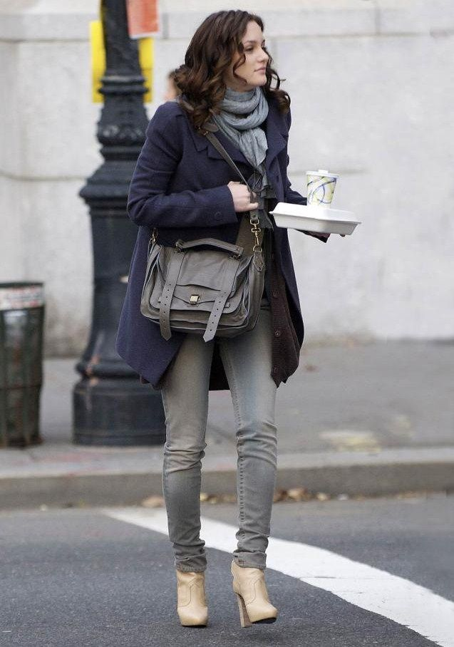 a11a0f1fe06 Leighton Meester Winter Outfit   Grey Jeans + Nice Mulberry Bag.. Nice  Colour Combination.