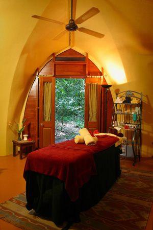 Massageraum farbe  dreamy massage room | massage therapy | Pinterest | Massage, Nizza ...