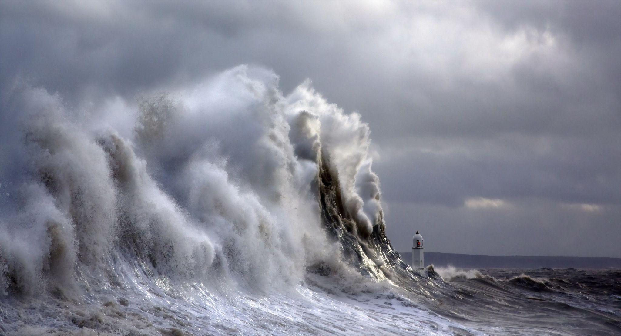 Tiny Lighthouse Between Giant Waves Miriadna Com