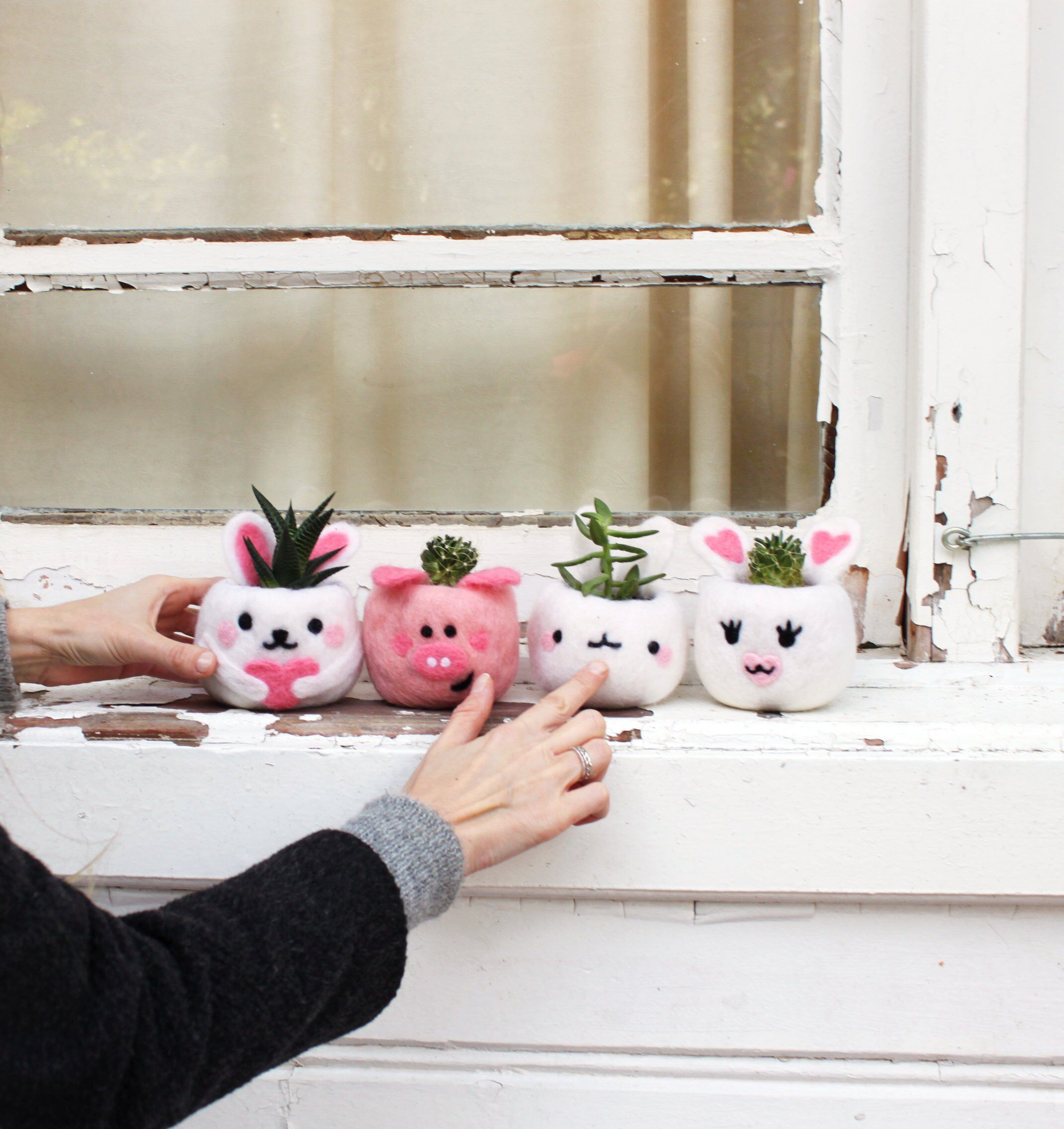 Cute friends always hang together! Needle felted pots from Kawaii Planters.