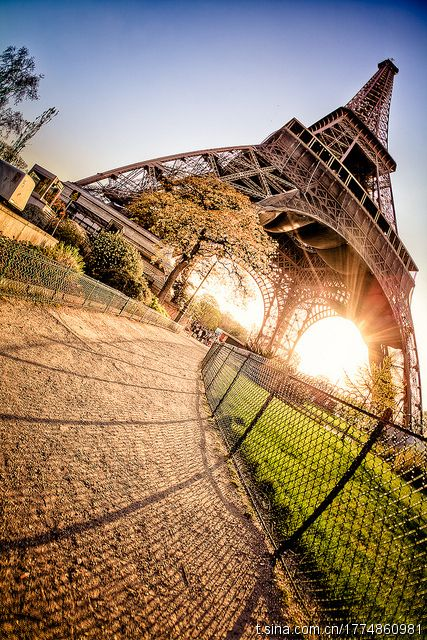 holidays-in-paris : #paris #travel #tour #trip #vacation #beautiful #destination #holiday #nature #adventure