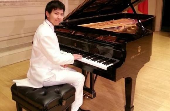 Learn to play the piano in no time by attending classical piano lessons provided by Jerry Shang. He is among piano teachers who have performed in Carnegie Hall. Check out his piano courses today.