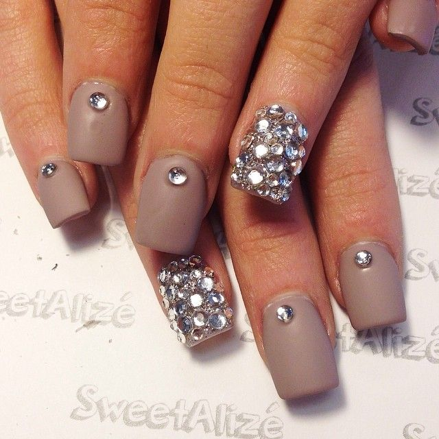 Gallery For > Acrylic Nail Designs With Rhinestones Tumblr