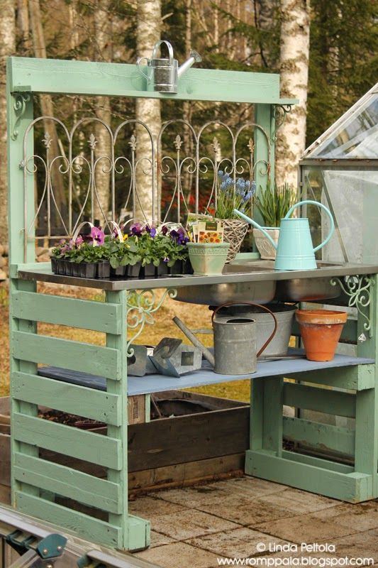 Potters Table = Salvaged Stainless Sink, Pallets, Reclaimed Lumber and Decorative Ironwork (Romppala - Linda's yard: April 2015)