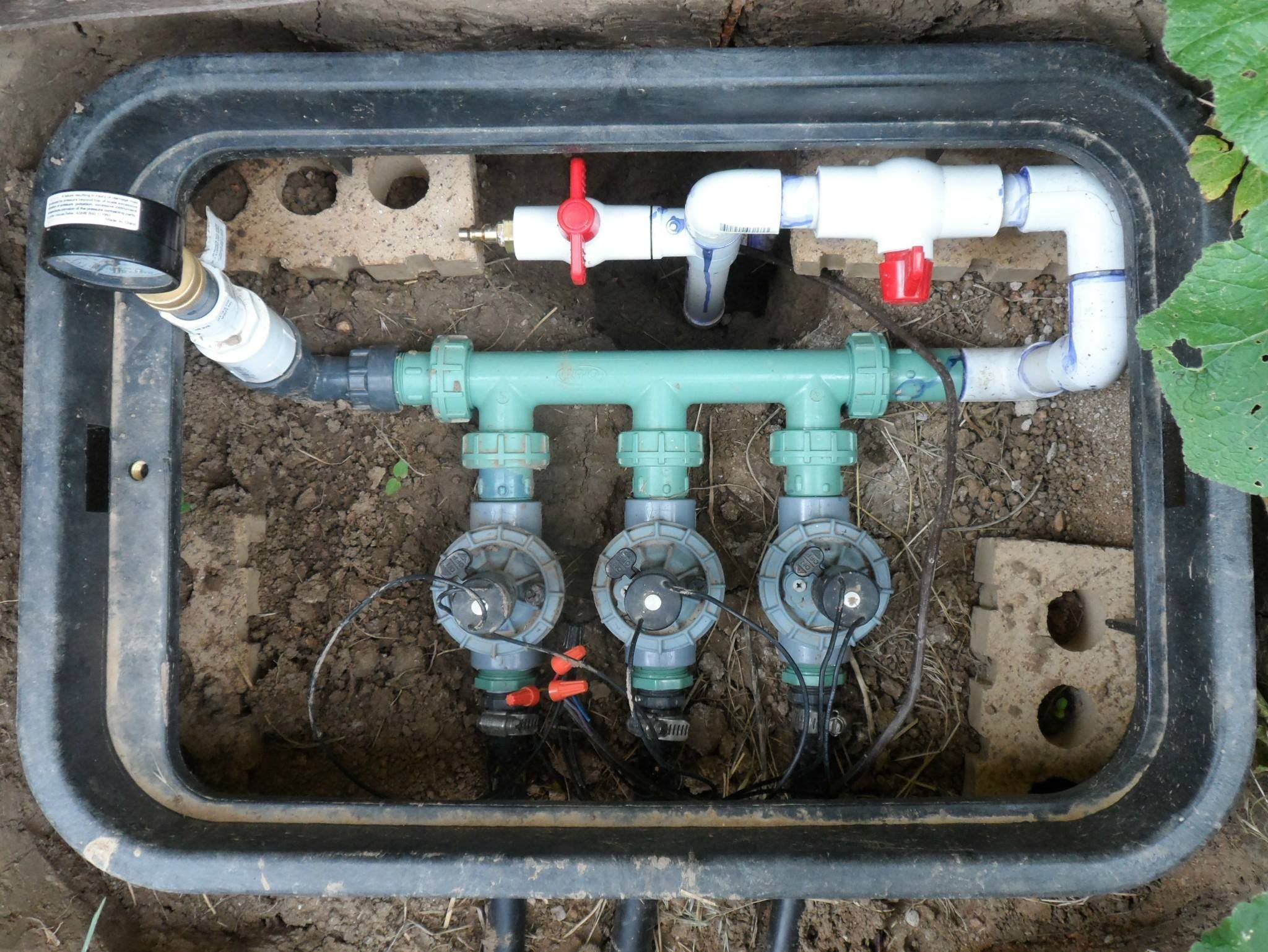 Expandable Sprinkler Manifold Landscaping Pinterest Sprinkler Irrigation And Gardens