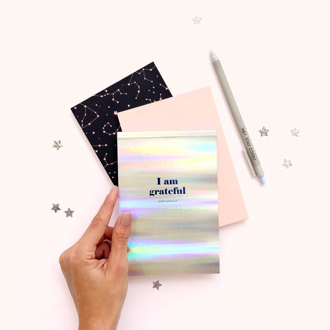 I am Grateful Grounded & Gorgeous!! // Nuestro nuevo trio de libretas es perfecto para ayudarte a alcanzar tus metas! Encuéntralas en www.toystyle.co LINK en BIO #toystyle #new #petitjournal #stationery #magic #holo #blush #stars #constellations #nailpolish #neutrals #grateful