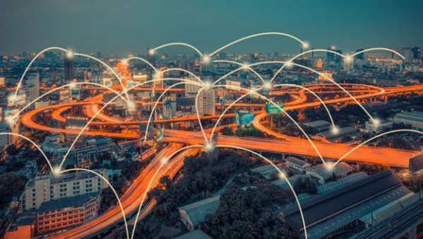 Un conjunto de científicos de la Universidad de Sydney ha llevado a cabo un avance que mejora los sistemas de comunicación inalámbrica gracias a la fotónica, lo que permitiría descongestionar los cuellos de botella en estas redes.El equipo de investigadores ha logrado un avance en el control de la señal de radiofrecuencia en escalas de tiempo inferiores a un nanosegundo en un chip óptico. Por si no te suena el...