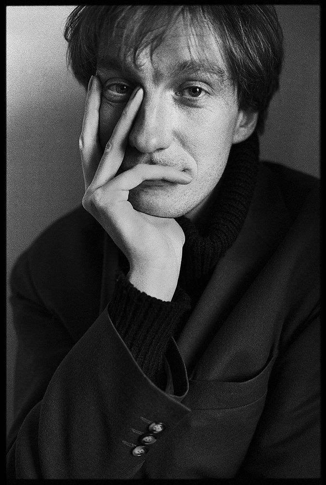 David thewlis 1993 - I can't stop seeing young Remus Lupin.