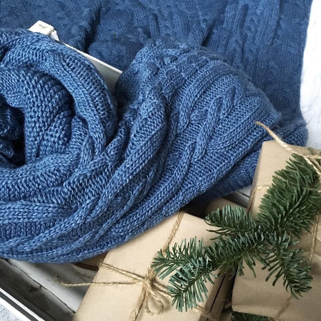 Handmade knit bed throw is a perfect idea for holidays ...