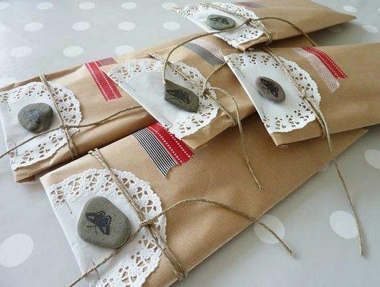 resultado de imagen de decorar bolsas kraft regalo comunion