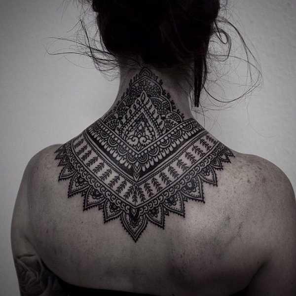 nacken tattoo