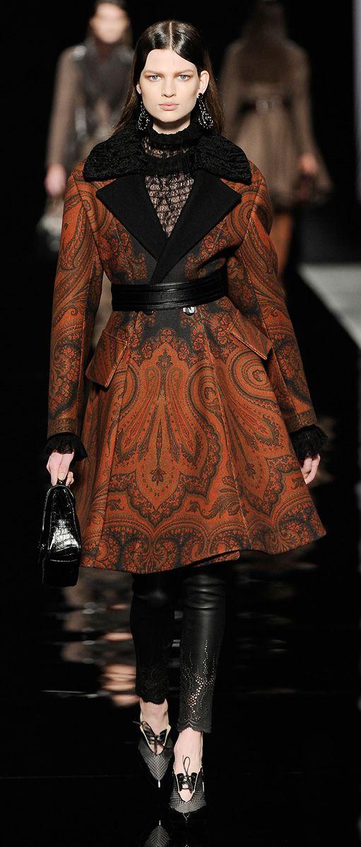 Etro Woman Autumn Winter 2012-13 / High Fashion / Ethnic & Oriental / Carpet & Kilim & Tiles & Prints & Embroidery Inspiration /