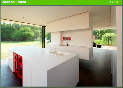 Bart coenen zwevende keuken met witte spoelbak en kraan keukens