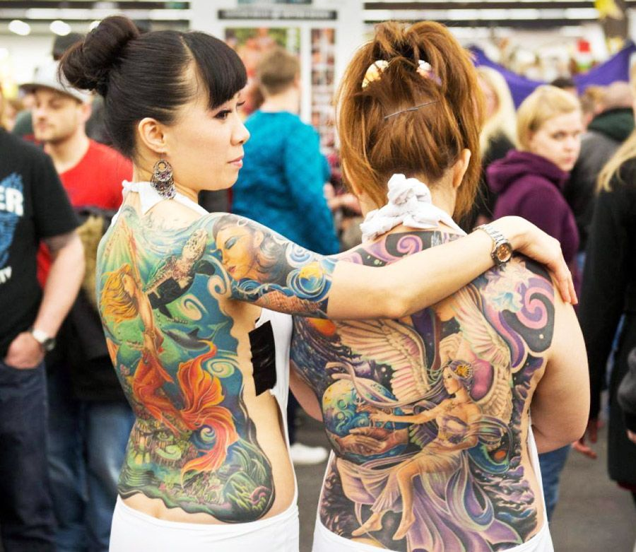 Check more TATTOOs: www.goo.gl/zHnBRL -Amazing back pieces. One new school,  the other Mucha inspired