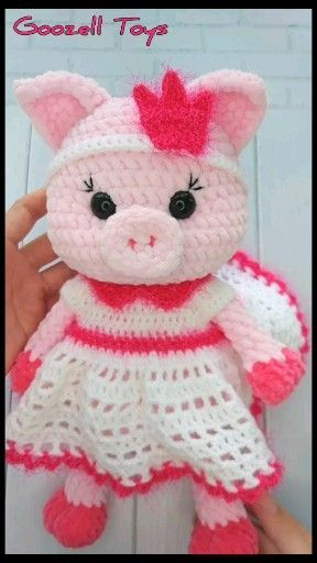 CROCHET PIG in clothes pdf pattern. Amigurumi pig toy pattern. Crochet outfit for stuff toys: dress