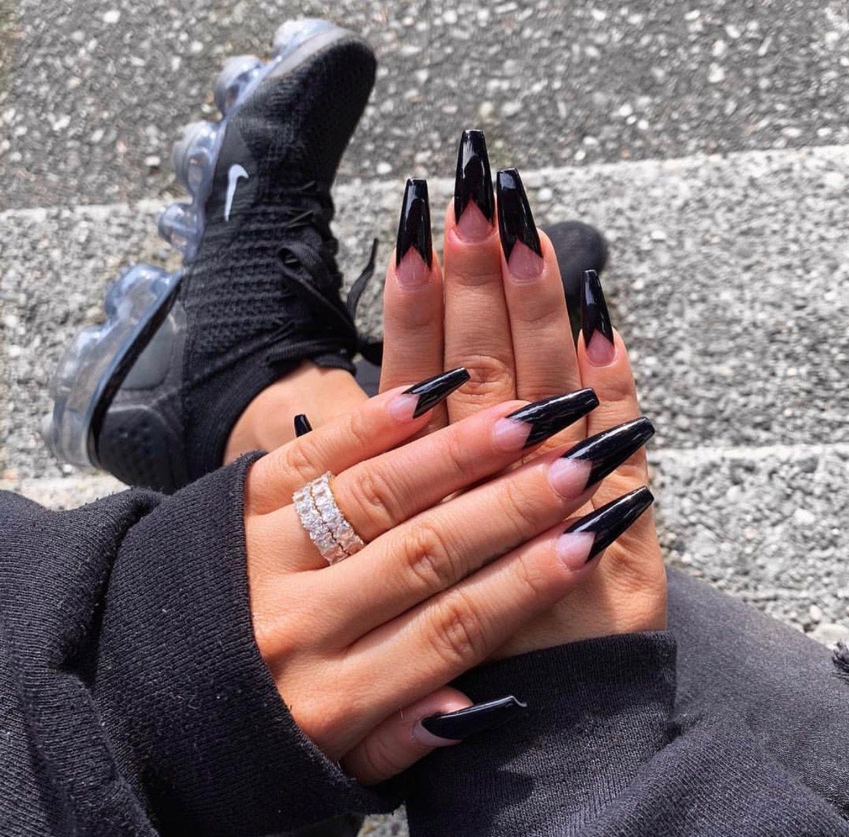Follow Julianadawdyyy For More Like This Cute Acrylic Nails Trendy Nails Black Acrylic Nails