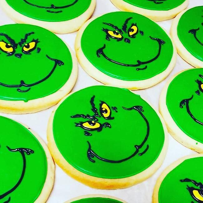 Grinch Face Cookie #grinchcookies