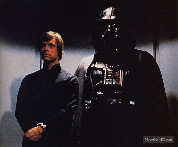 Star Wars Episode Vi Return Of The Jedi Publicity Still Of Mark Hamill David Prowse Star Wars Luke Skywalker Star Wars Darth Vader