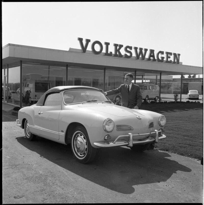Howard Cooper Vw Dealer In Ann Arbor Ca 1965 Vintage Vw Volkswagen Vw Karmann Ghia