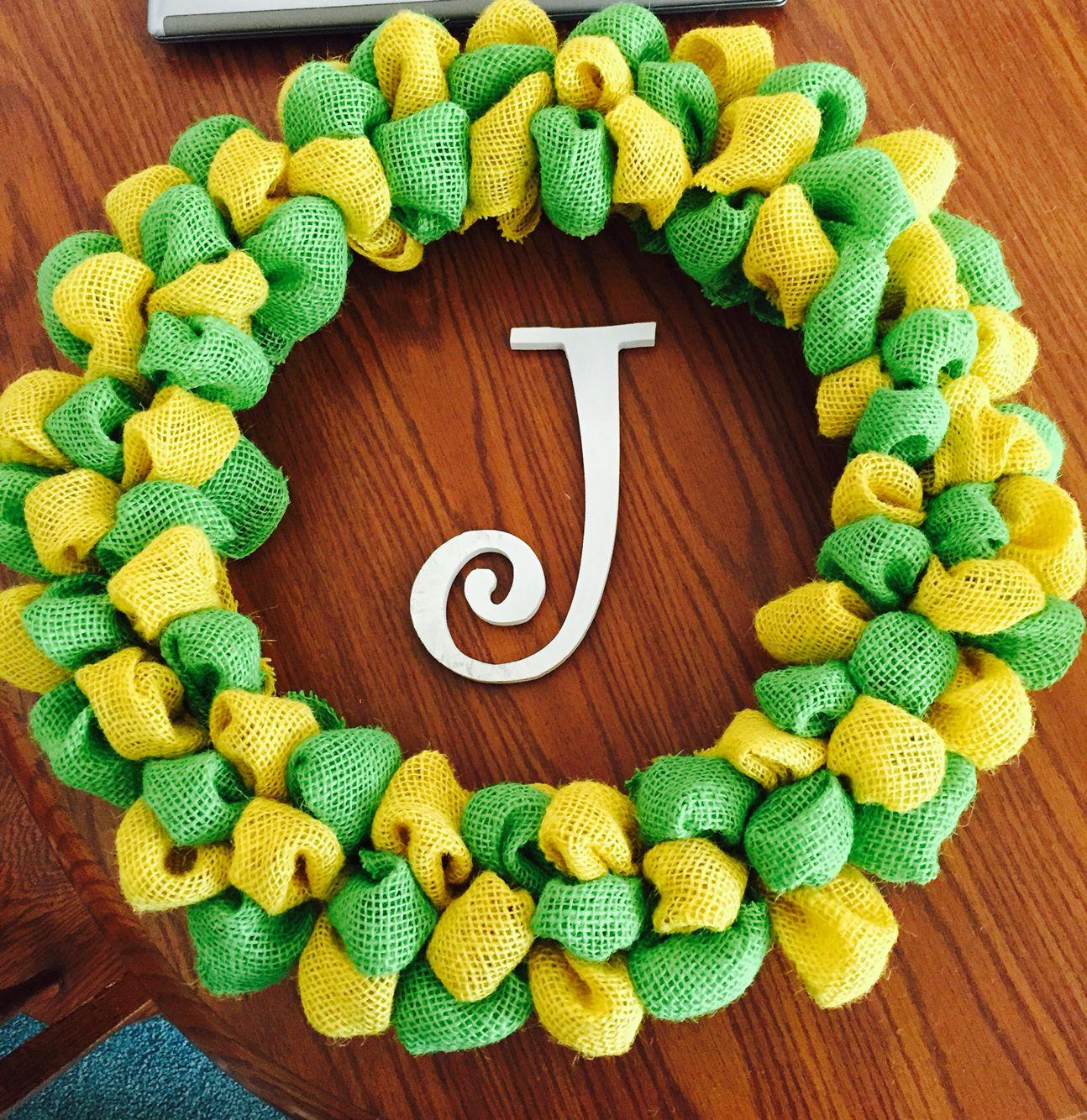 DIY Burlap Wreath w 2 Colors #burlap #johndeere #homemade #wreath #diy