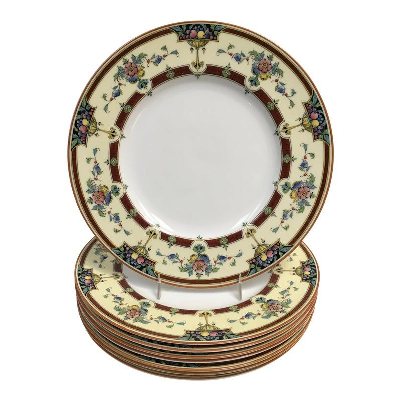 One of the most beautiful china patterns created by Royal Worcester -- Orlando. Popular in the 1930s and now discontinued. This design has a lovely floral border with embossed floral centers and berries. Made in England.  This is a set of eight dinner plates. Each plate measures about 10 1/2 inches in diameter. Excellent condition with no chips or cracks.  4 Good donates all of its profits to charity. Your purchase will help those in need. Thank you in advance for helping us to help others. Many