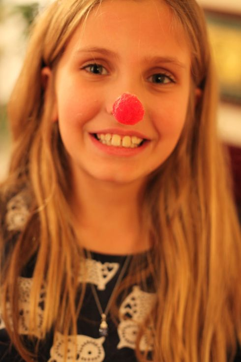 Christmas minute to win it game ideas reindeer noses - Put cotton ball trash can ...