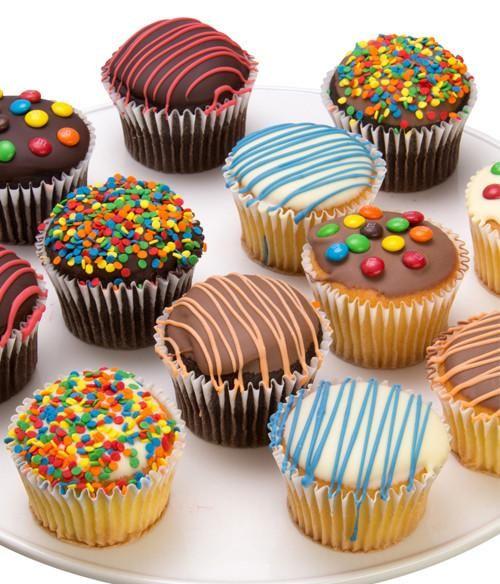 Pin By Carmen On Resep Cemilan Enak In 2020 Chocolate Dipped Cupcakes Savoury Cake Mini Cakes