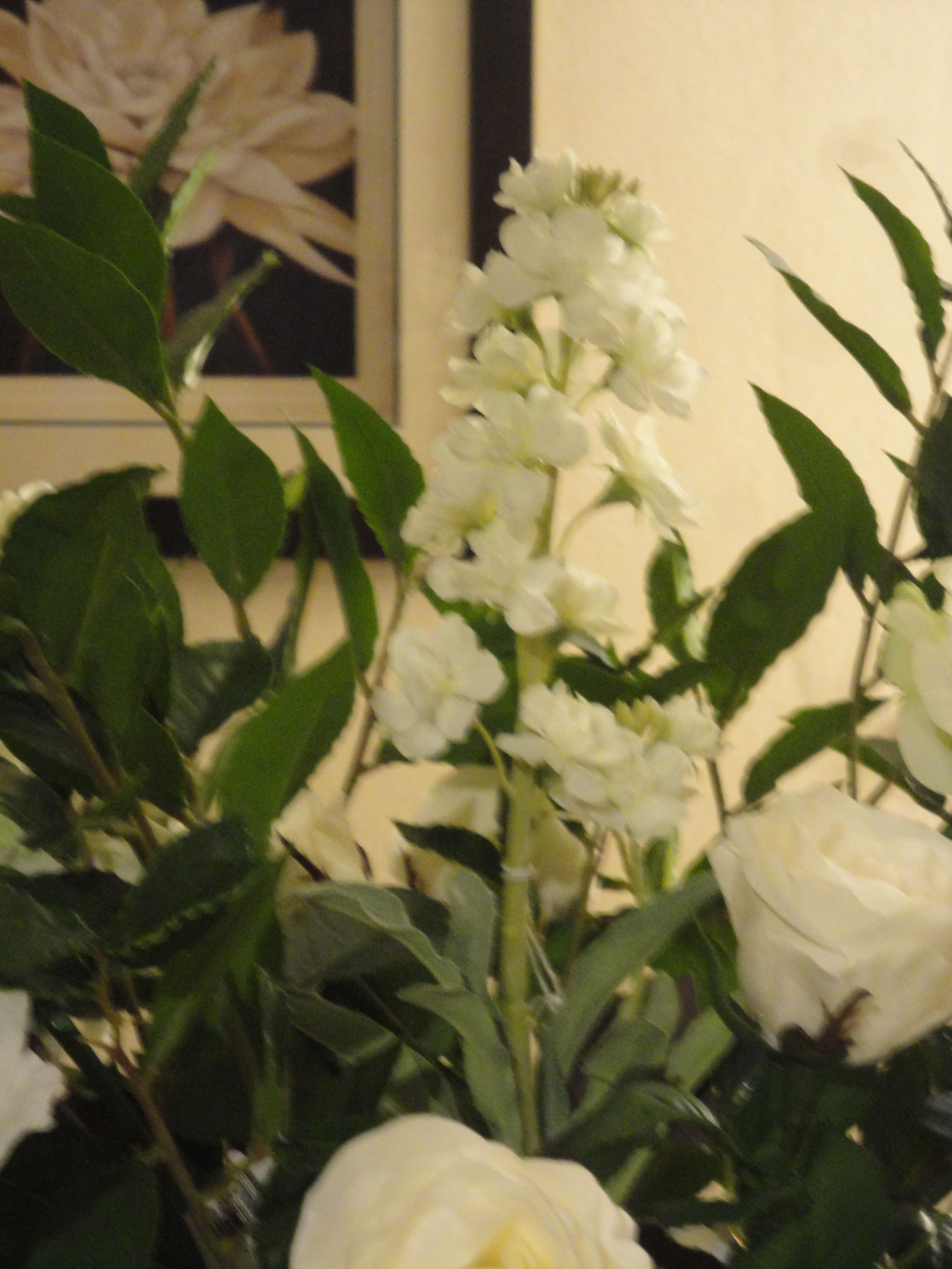 Sia Artificial White Delphinium Stem With Sia White Roses Greenery