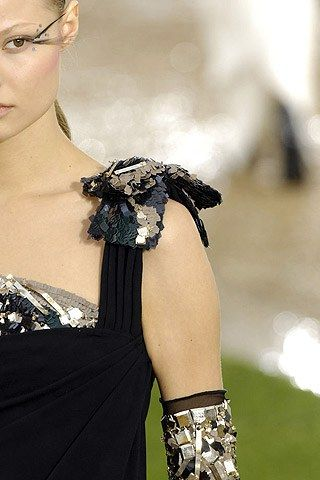 Chanel Fall 2007 Couture Fashion Show Details
