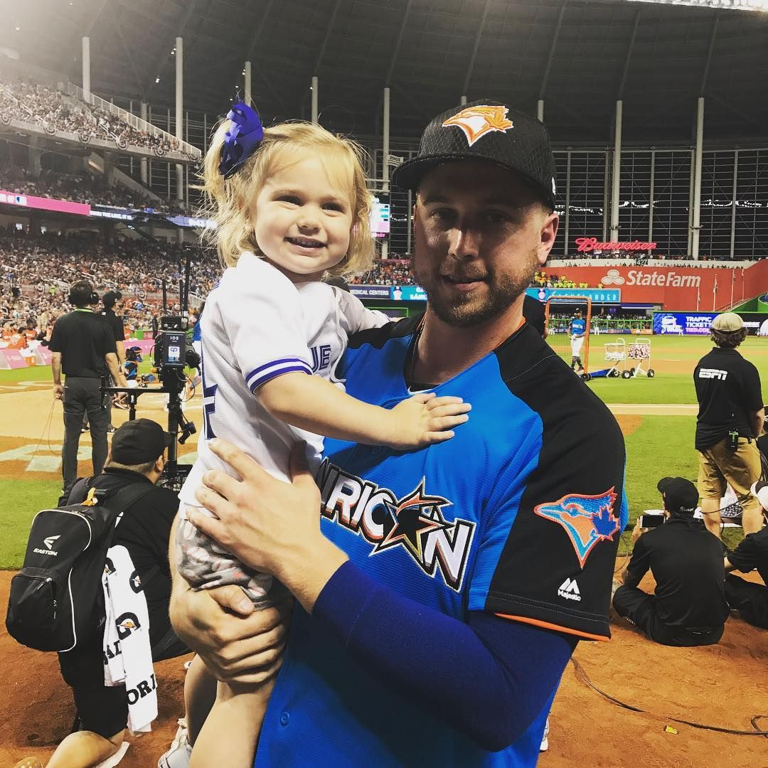 Blue Jays first baseman Justin Smoak enjoying his first All-Star appearance with his adorable daughter Sutton