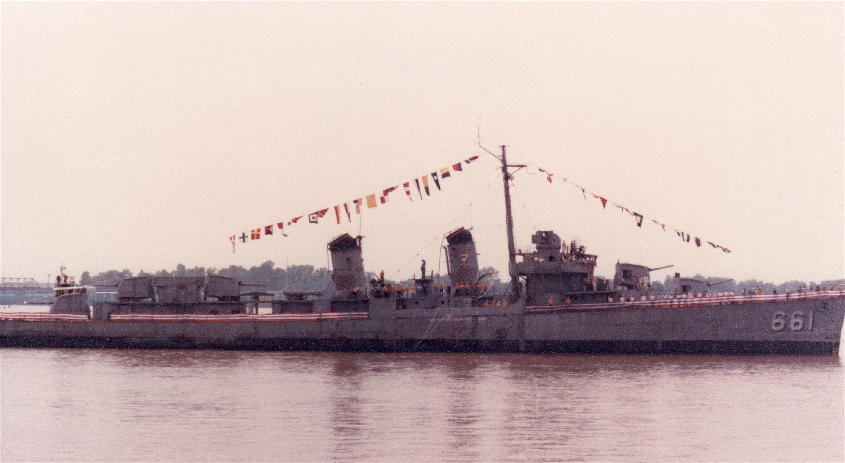 USS Kidd, DD-661, arriving in Baton Rouge for restoration