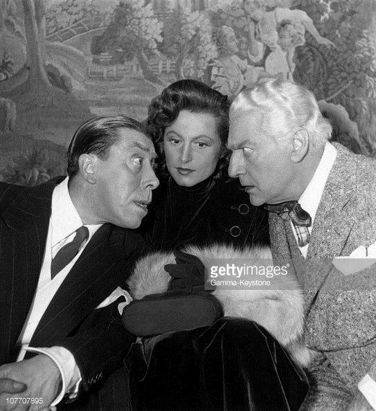 Avec Fernandel Lana Marconi Dans Tu M As Sauve La Vie Au Theatre Des Varietes Decembre 1949 Sacha Guitry Guitry Comedien