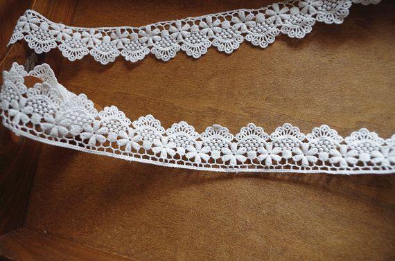 off white lace trim , cotton cotton lace trim, scalloped trim lace with retro floral, cotton scalloped trim lace, vintage style lace trim