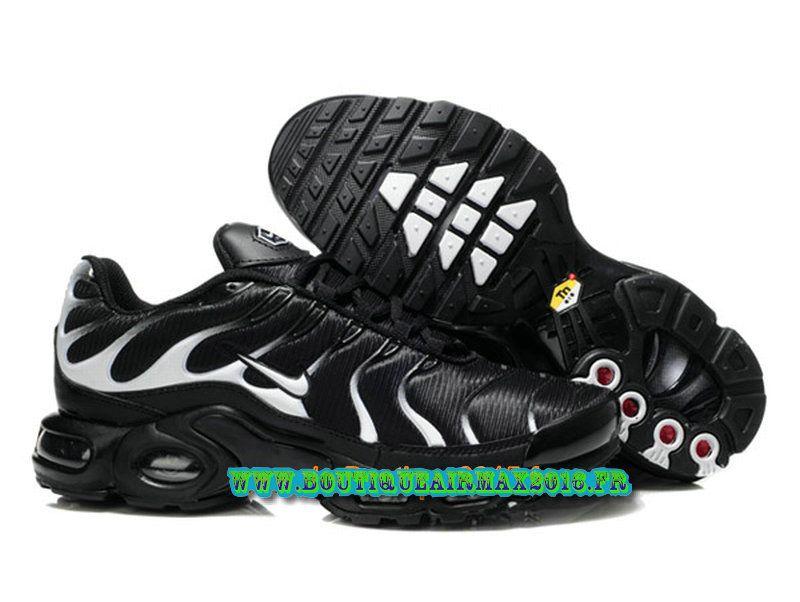 Nike Air Max Tn Requin Tuned 2013 Chaussues Nike Basket Pour Homme Noir  Blanc 4cc1b5bdf0a7