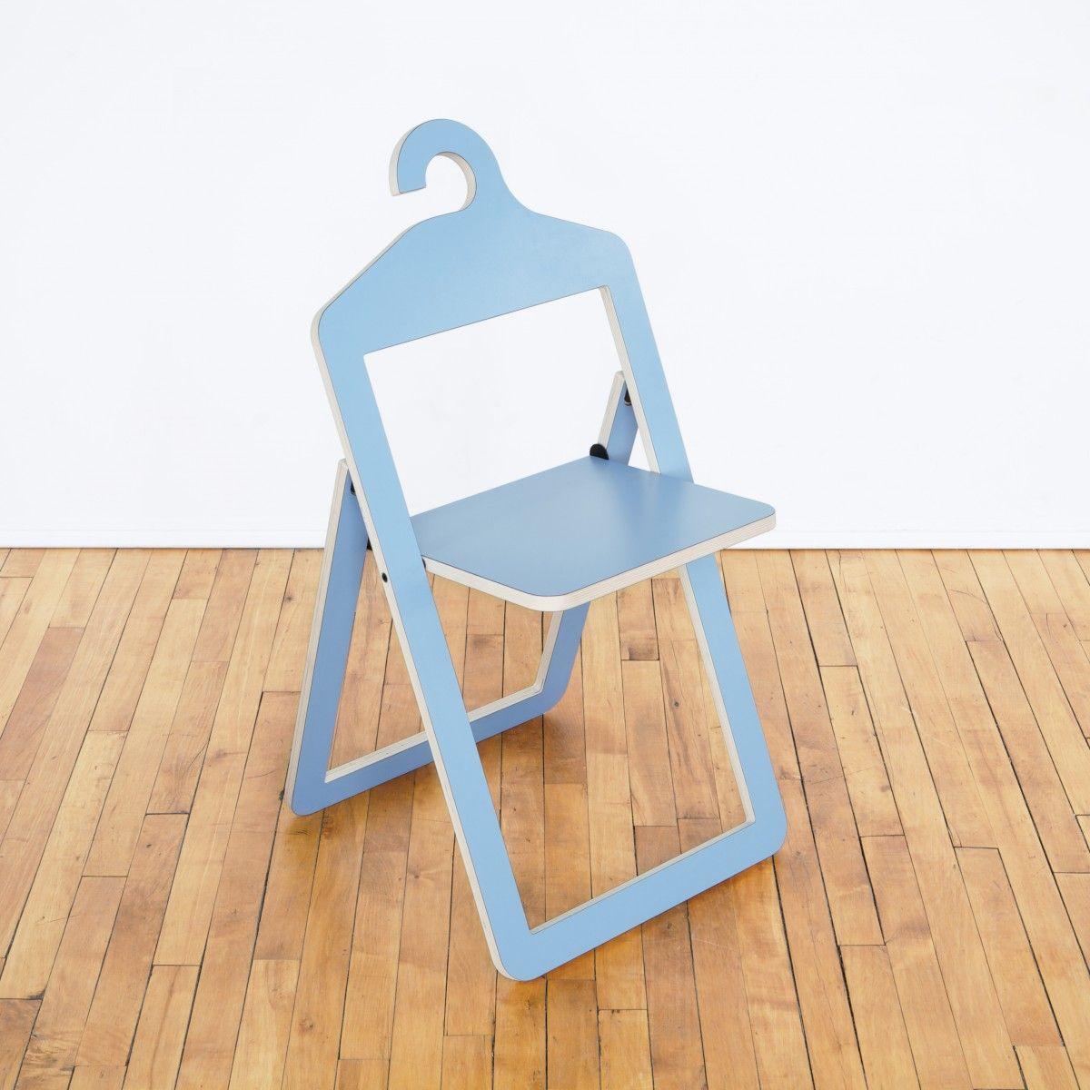 chaise cintre pliante design ultra plate bleu ciel gain de place petit espace deco umbra shift - Chaise Gain De Place