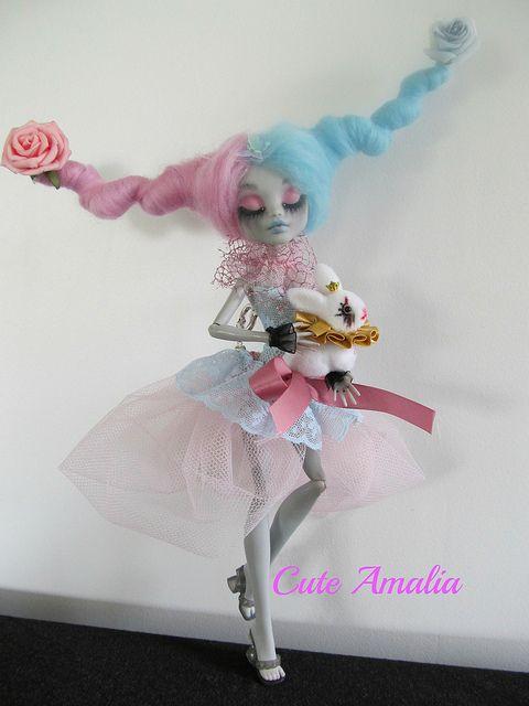 Lyric doll by Alexandra Soury /Cute Amalia, via Flickr