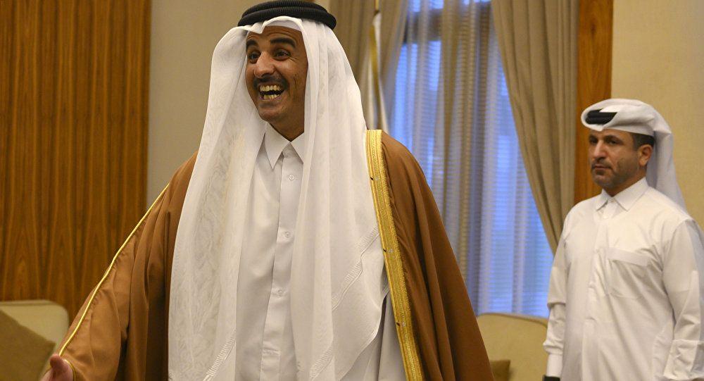 أمير قطر يرفع كأس آسيا 8230 عناق وفرحة كبيرة لدى استقبال المنتخب فيديو Nun Dress Dresses Fashion