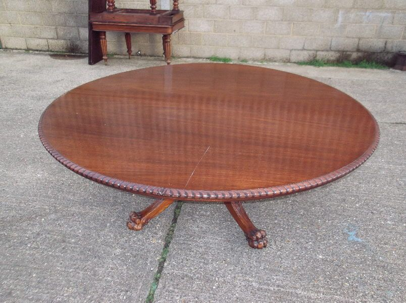 Large Round Dining Table Seats 12