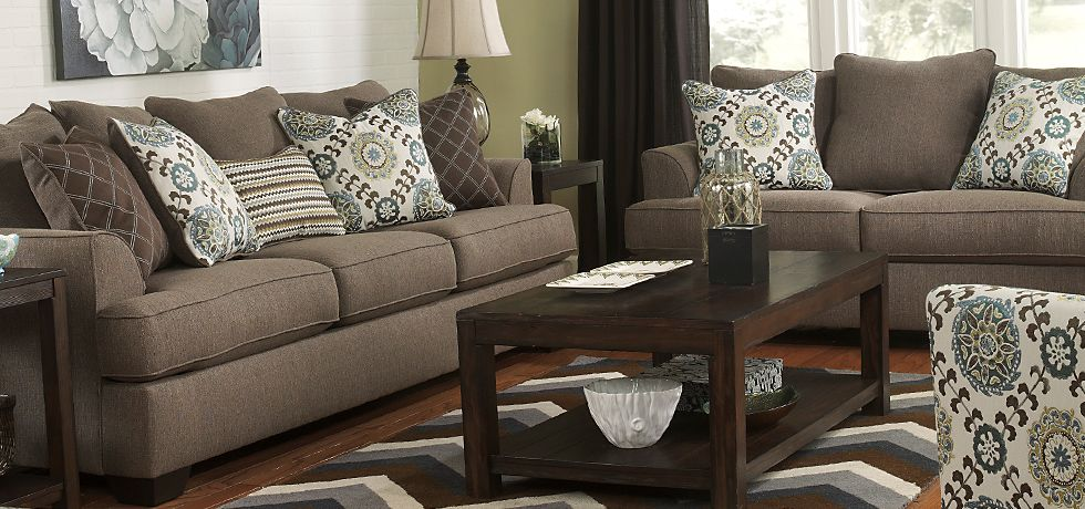 Best Brown With White And Blue Accents Modern Living Room 640 x 480