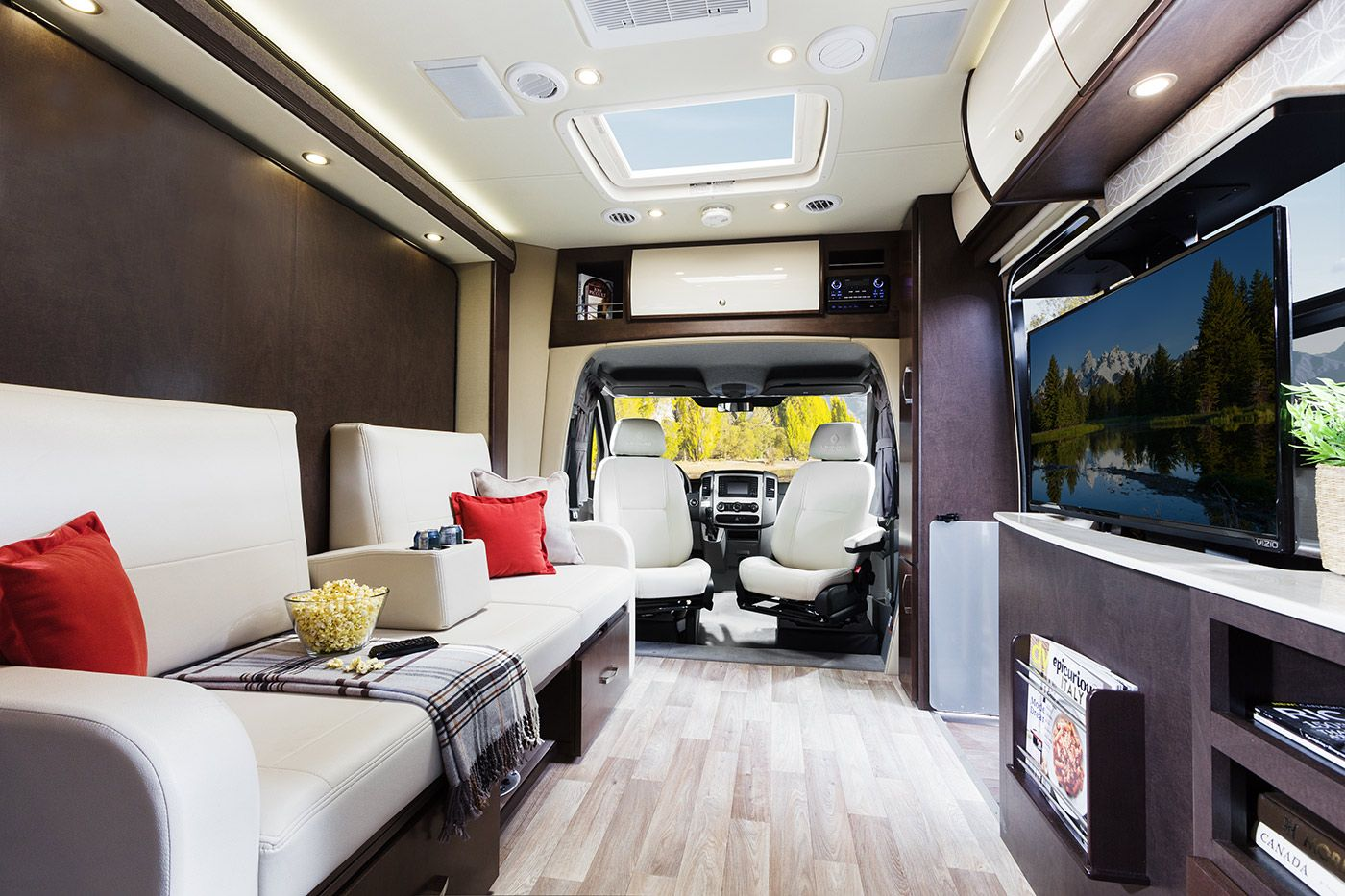 Unity Class C RV Leisure travel vans, Travel and leisure