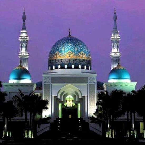 Beautiful Places In Malaysia With Description: National Mosque - Kuala Lumpur, Malaysia