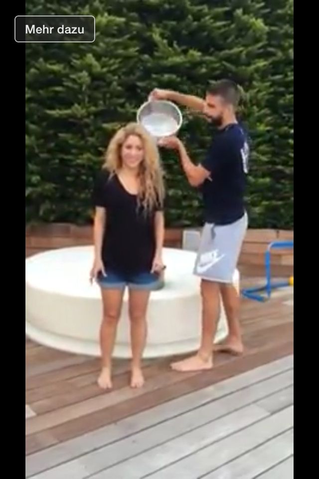 Shakira and Piqué 2014 alsicebucketchallenge shakira