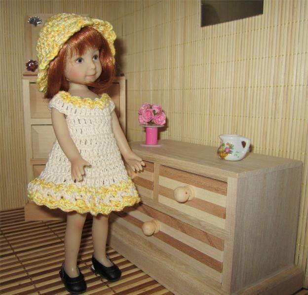 Maritxa vous présente aujourd'hui sa première tenue   Je vous propose les explications  Fournitures  : du coton beige ( coton nature de BDF ...